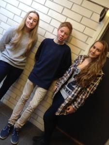 f.v Lisbeth Væhle Balchen (10D), Jone Våge Henriksen (10C) og Karen Holst-Larsen (10C)